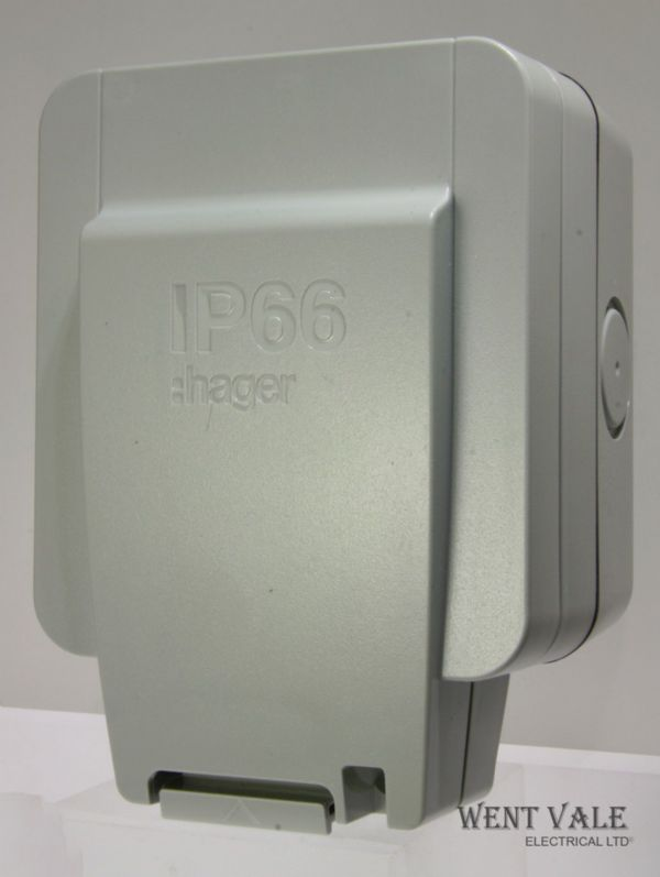 Hager Sollysta IP66 Range - WXPSSU83FO - Outdoor 13a Surface Switched Fused Spur